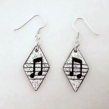 Diamond-shaped Musical Note Earrings
