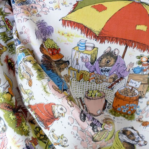 Market Day linen by Moygashel - 115cm x 110cm