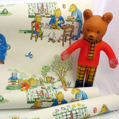 <!-- 001 -->Vintage Rupert the Bear Wallpaper