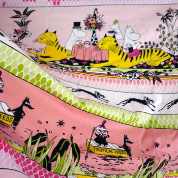 Moomins Cotton - Tropical - 155cm x 63cm