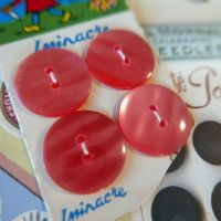 4 Vintage French Buttons - Pink