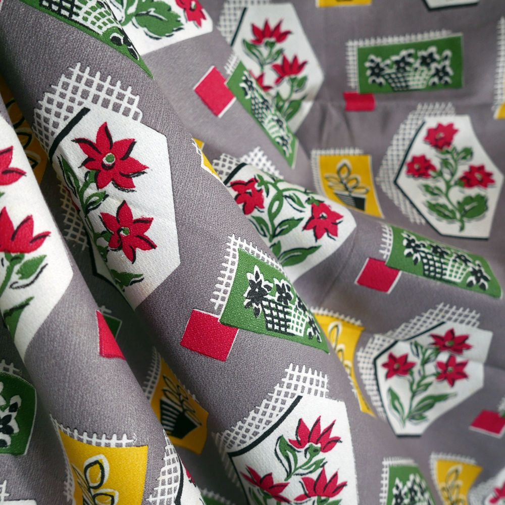 1950's Printed Cotton - Flowers & Pots - 120cm Wide