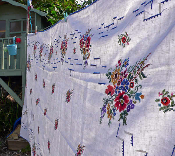 flower-cloth-and-hut