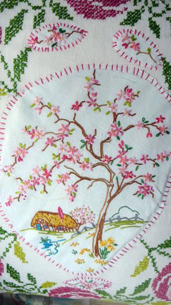 handmade-vintage-cushion-3