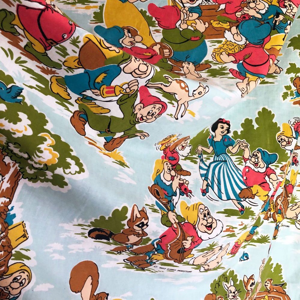 Vintage Snow White Cotton - Disney Cotton - 105cm x 115cm