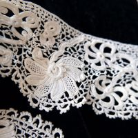 Vintage Irish Lace Turned Border - 2.8 Metres - WEC