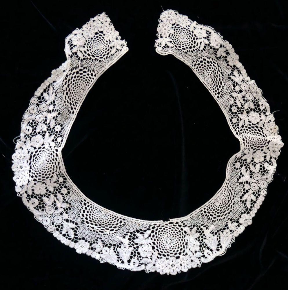 Vintage Lace Floral Collar - DLC