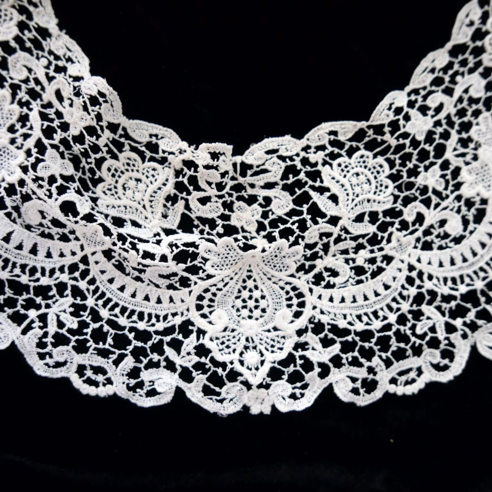 Vintage Irish Lace Collar - ILC