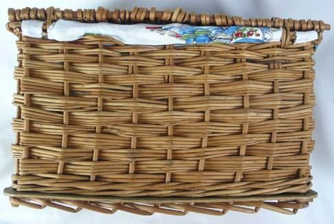 vintage-hamper-back