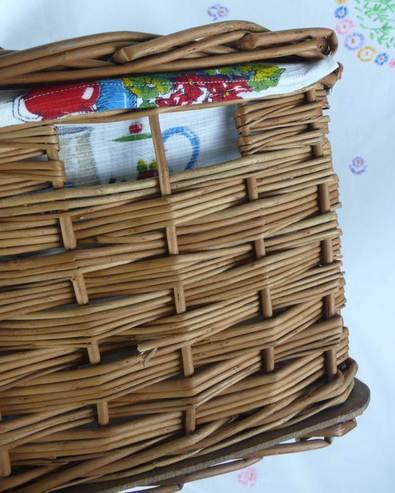 vintage-hamper-side