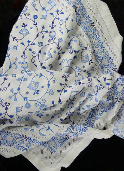 jacobean-cloth-3