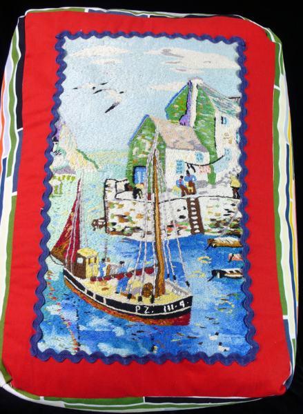 Vintage--Embroidery-seat-2.jpg
