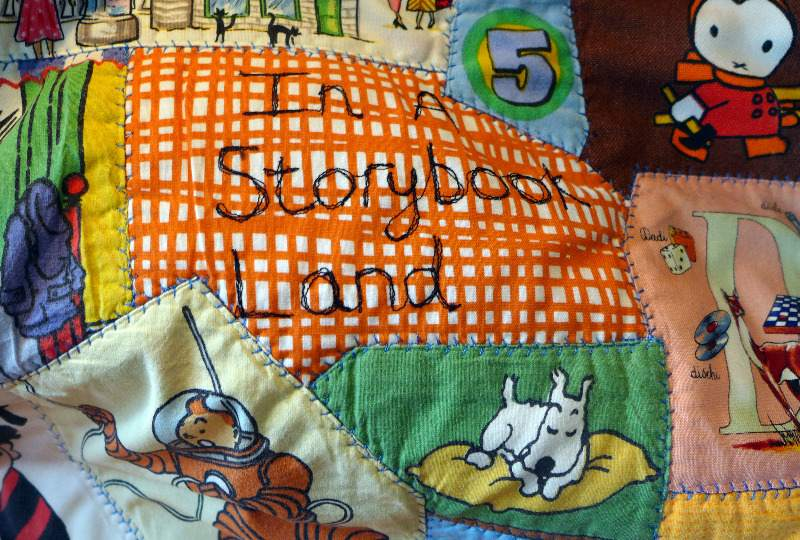 storybook-quilt-with-vintage-fabrics-5