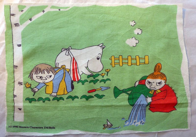 moomin-cotton-gardening-1