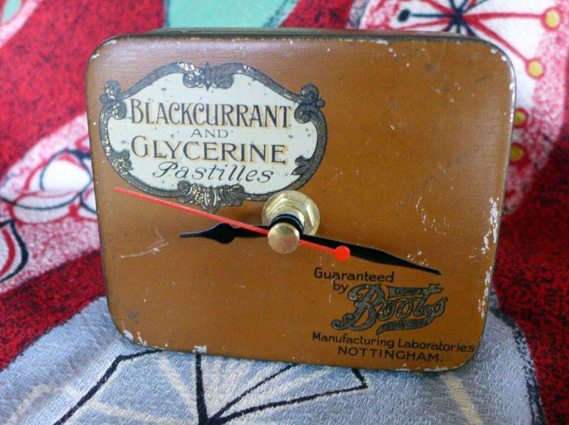 vintage-tin-clock---pastilles-1