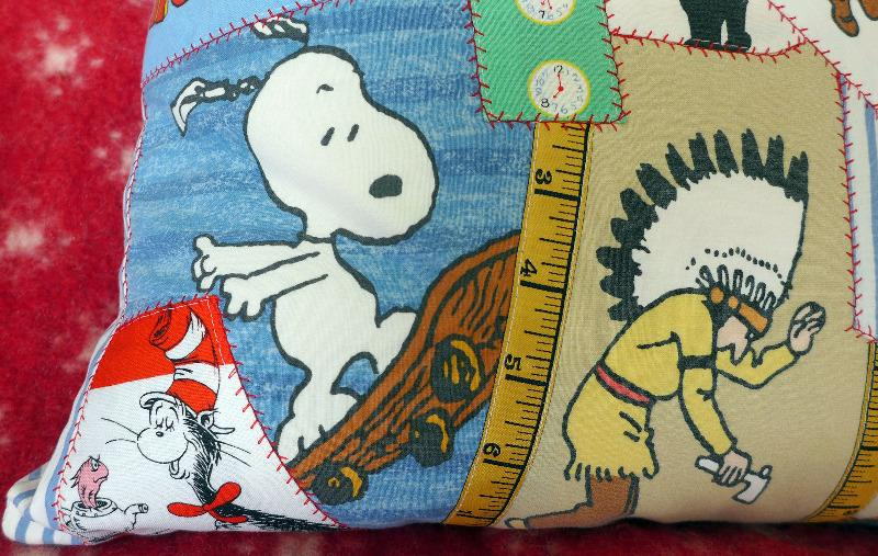 snoopy-&-roger-cushion-2