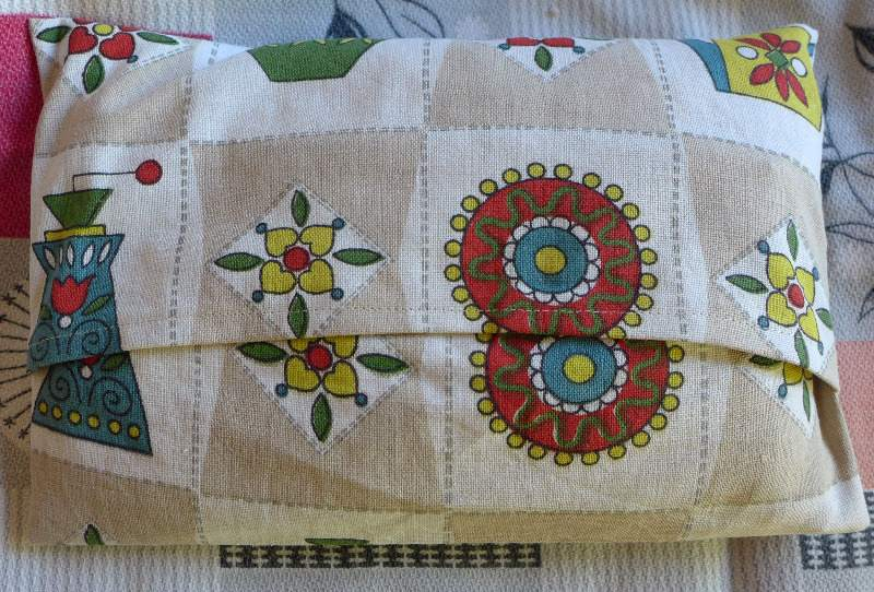 thermal-pillow-back-sixties-fabric