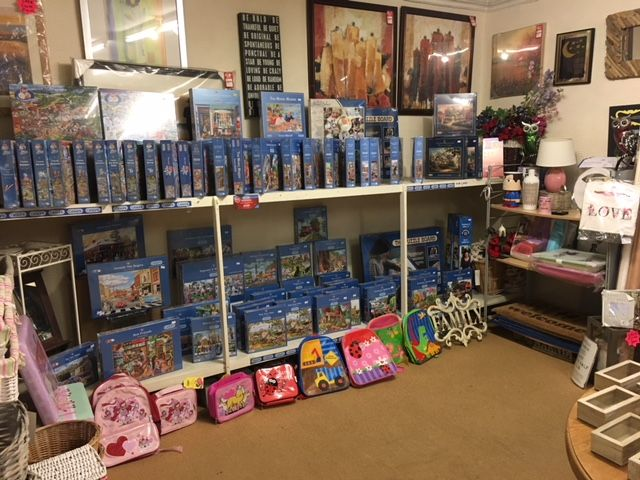 Gibsons Jigsaw Puzzles Out of the Blue Totnes