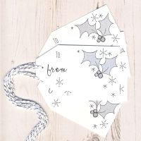Pack of 5 Glittery Holly Gift Tags