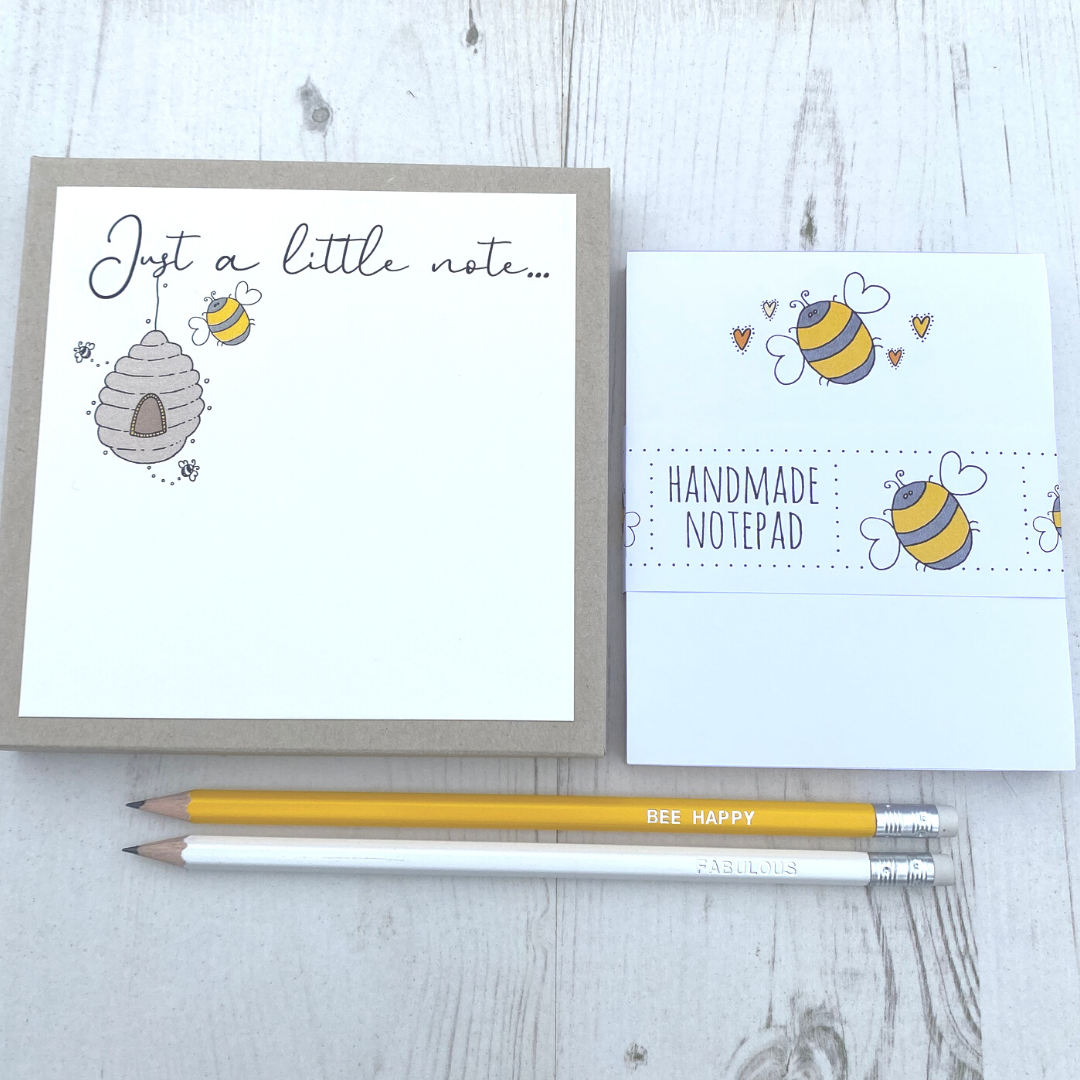 <!-- 002 -->Bee Stationery Gift Box