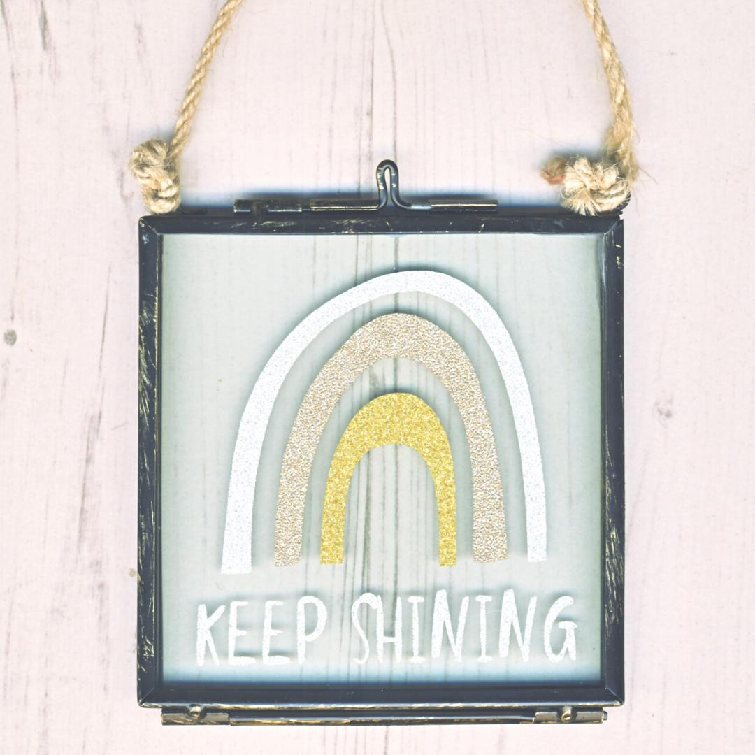 <!-- 010 --> Keep Shining Hanging Frame