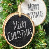 <!-- 001 -->Merry Christmas Hanging Log Slice