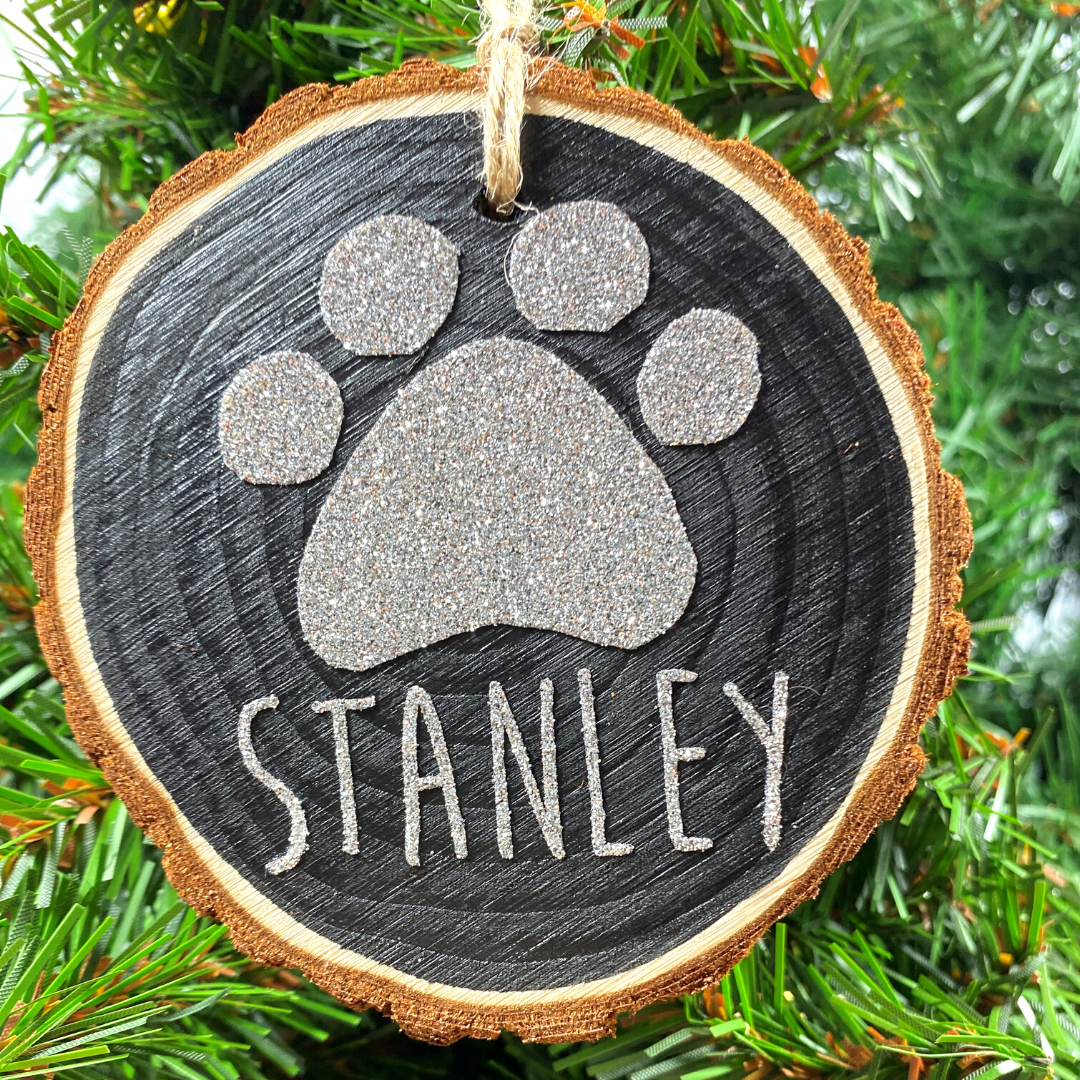 <!-- 001 -->Personalised Pet's Christmas Hanging Log Slice
