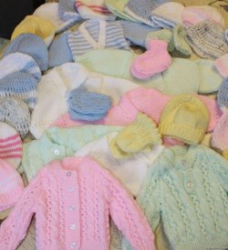 knitited baby clothes