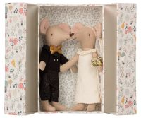 Bride and Groom Mouse Couple