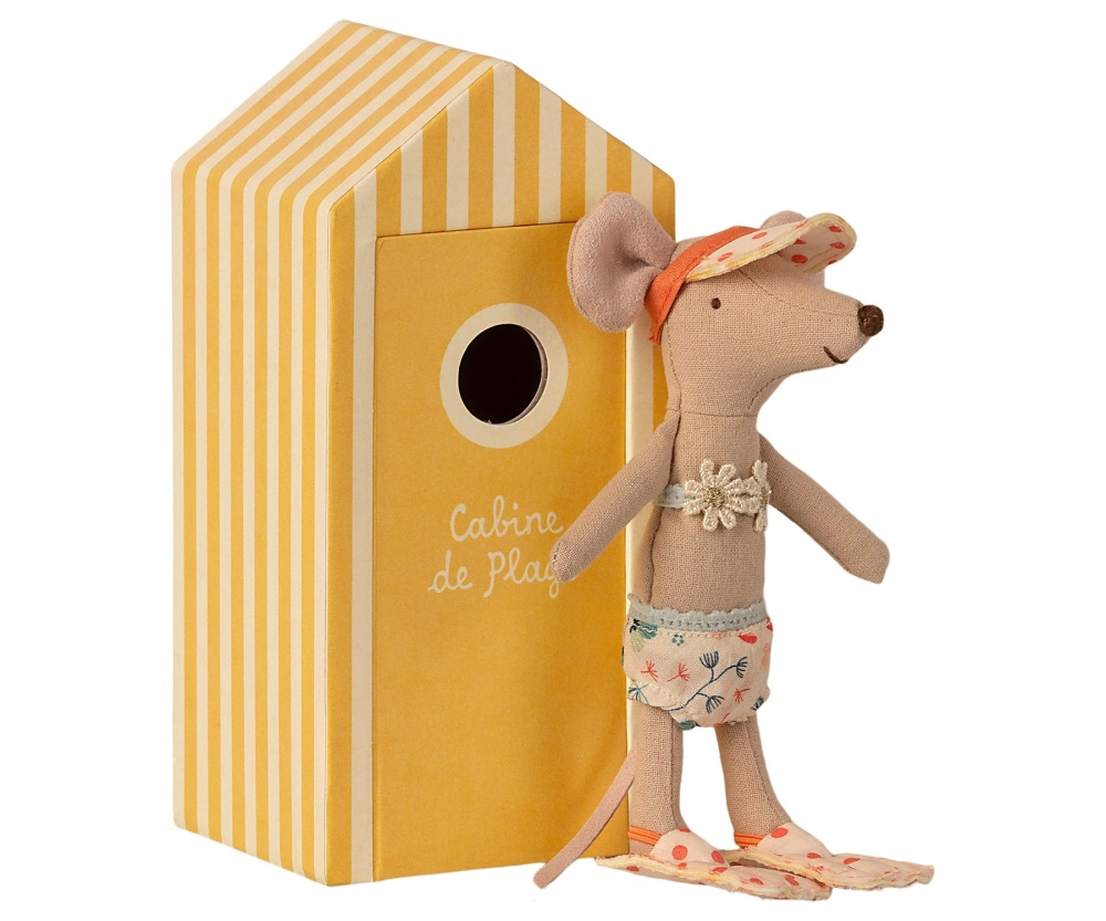 *NEW* Big Sister Mouse in a Beach Hut