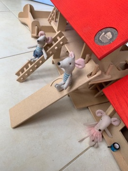 Mousehouse4