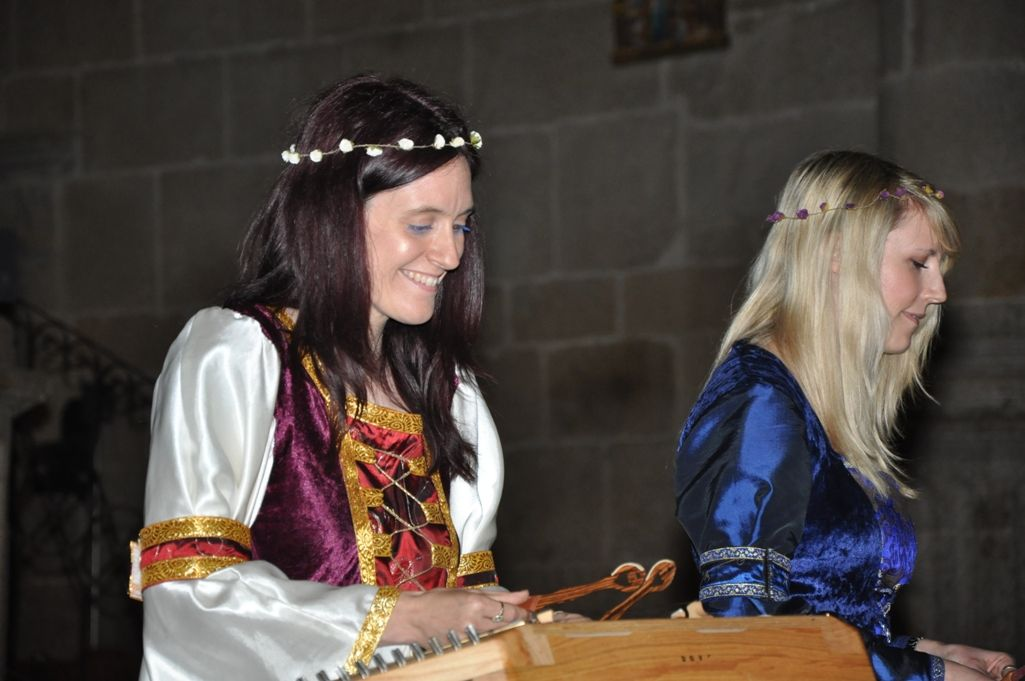 How to use your dulcimer with your voice for story telling