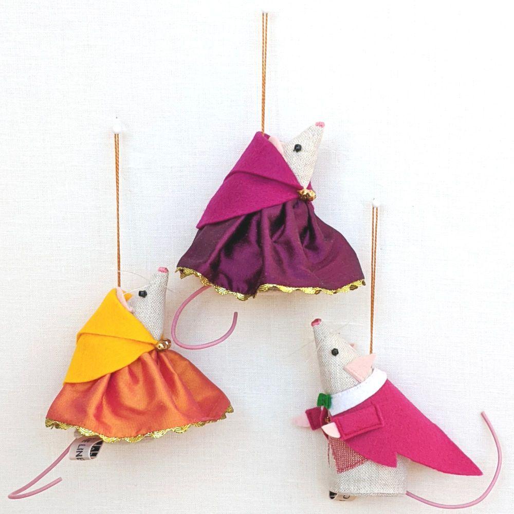 Bright Silk Christmas Mice