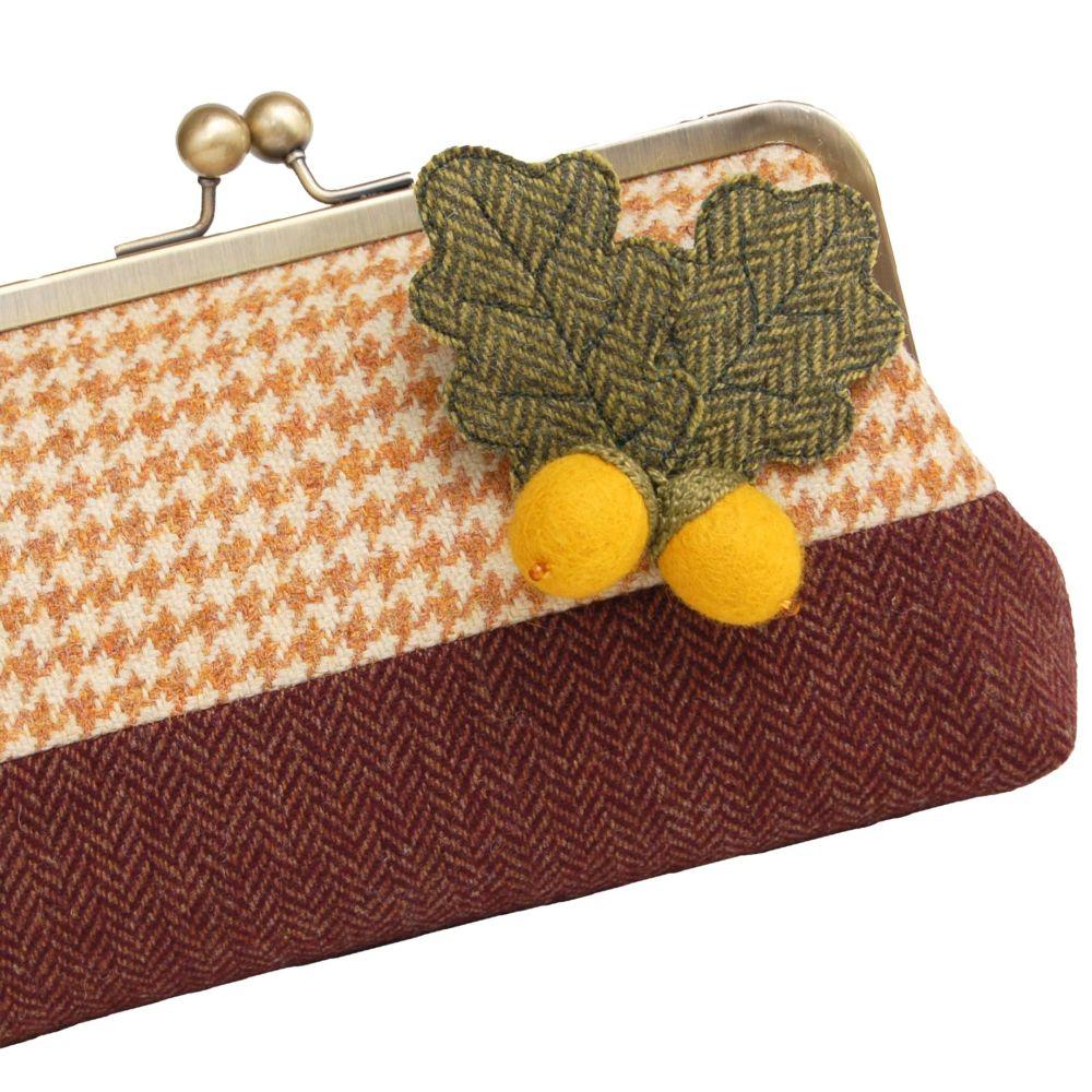 Acorn Tweed Clip Purse