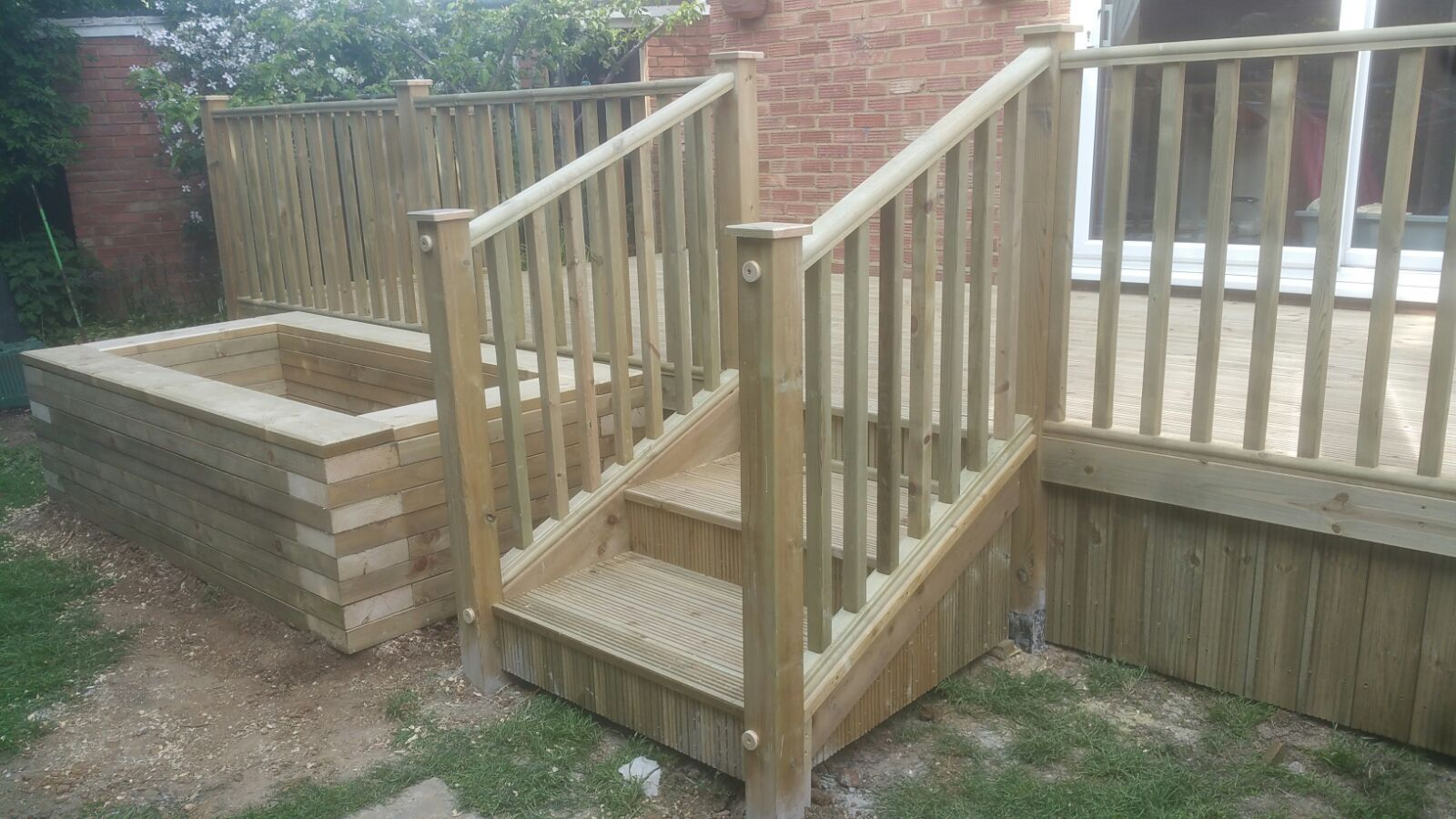 Raised deck (22)