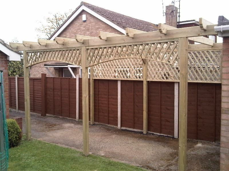Pergola with trellis infill