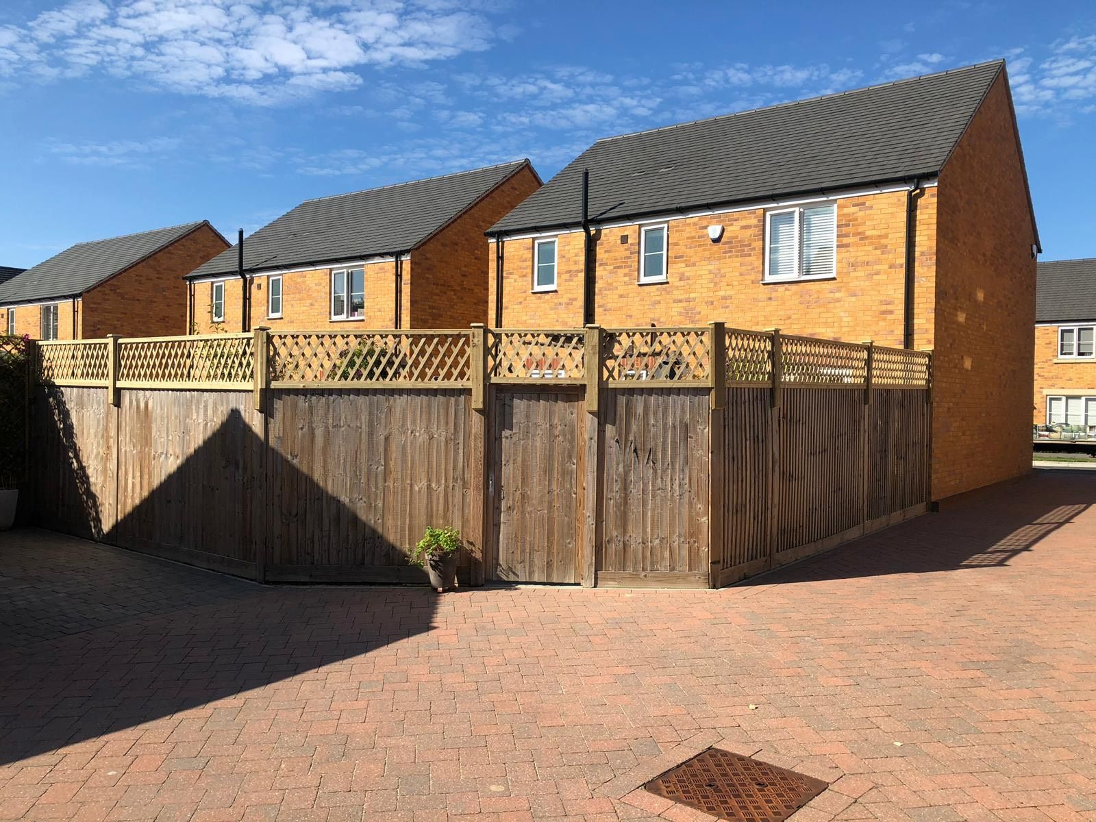 Diamond Trellis fence height extension (5)