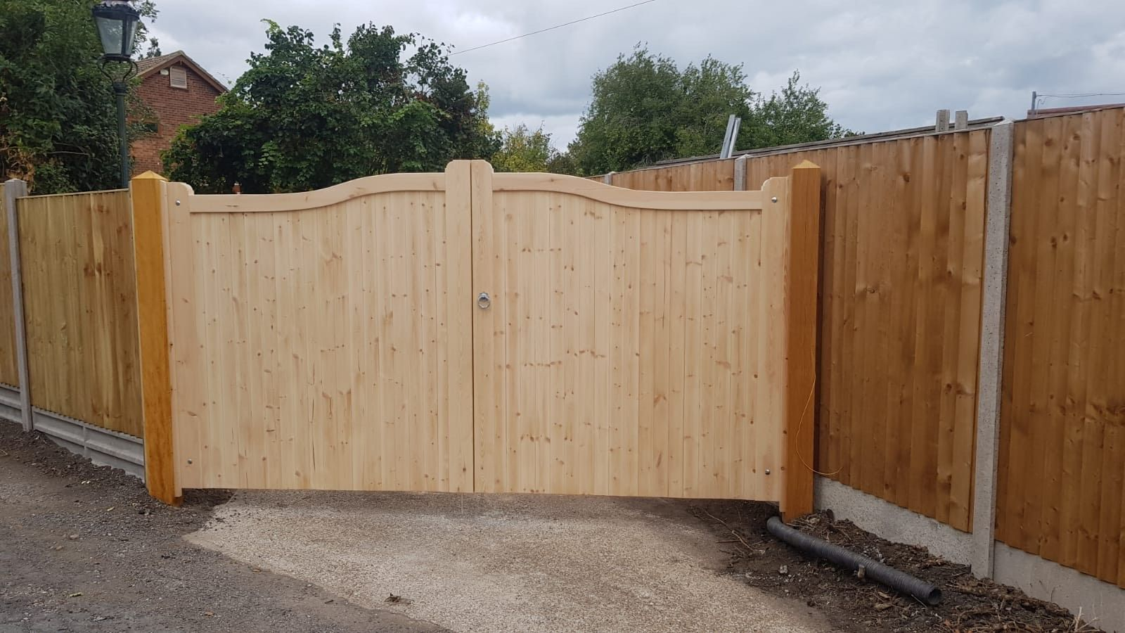 Joinery Quality bow top gates