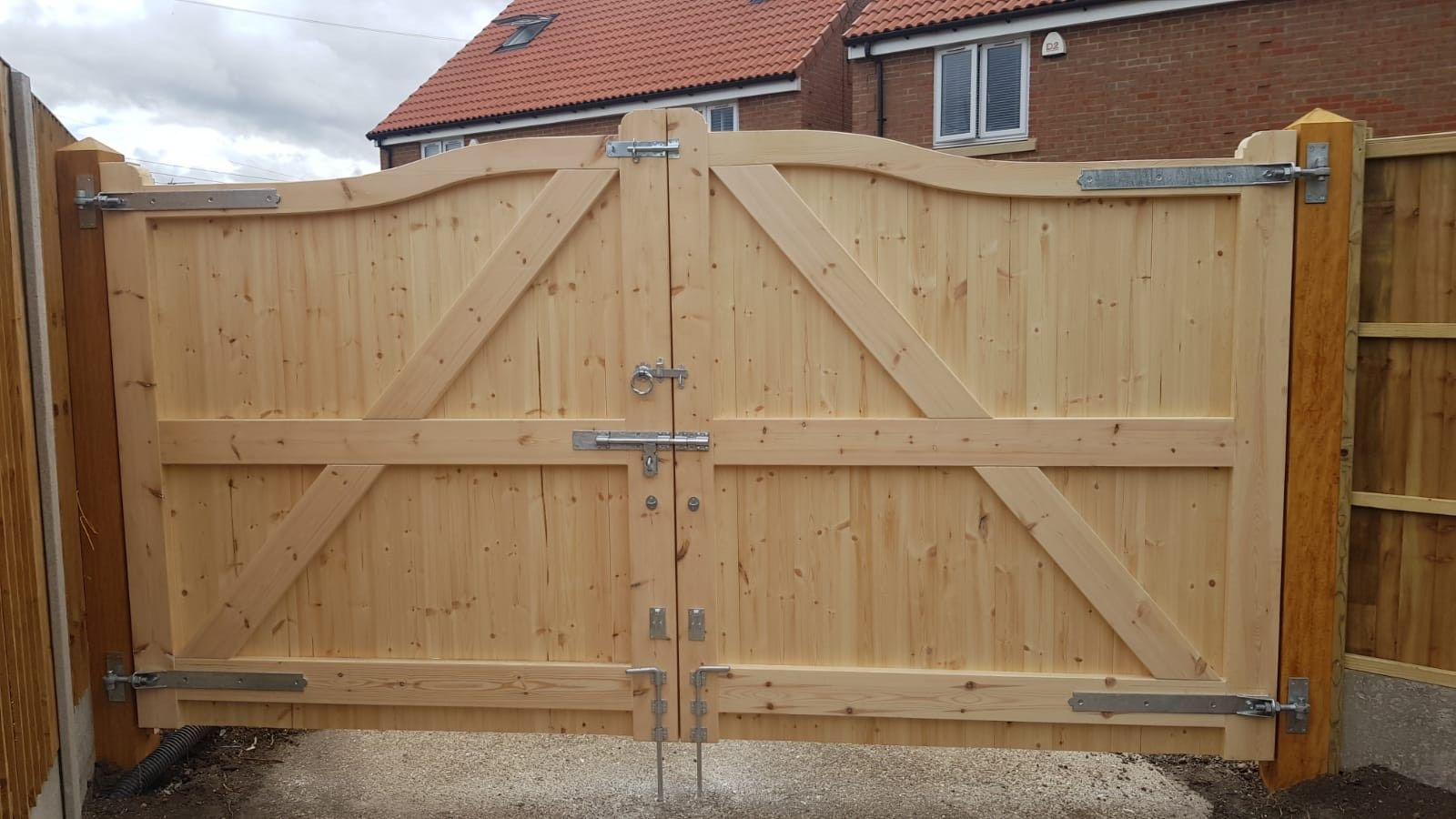 Joinery Quality bow top gates - rear view