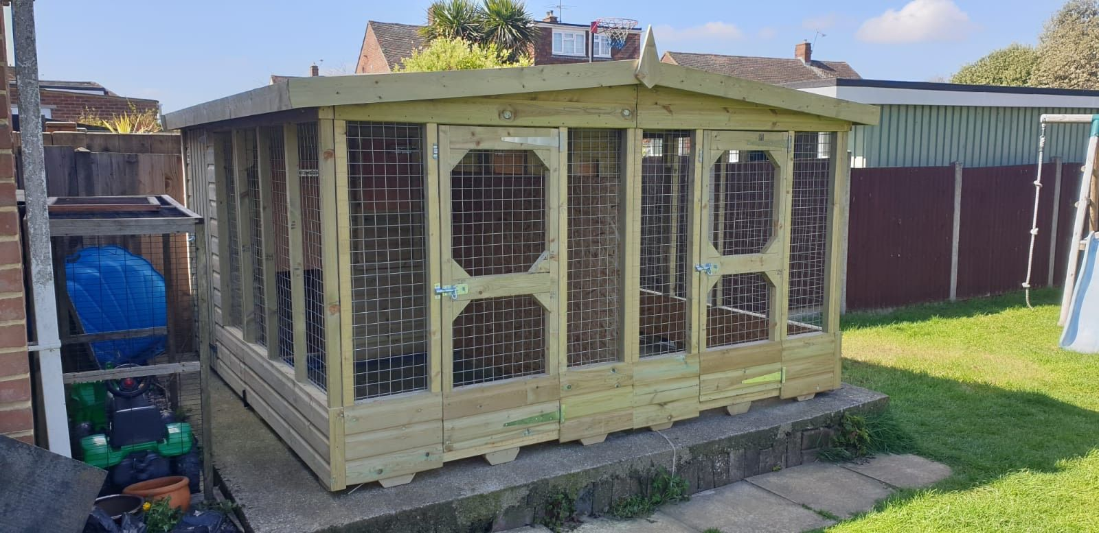 Police dog kennel (1)