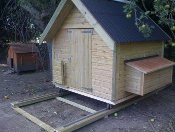 Mrs Peck Mobile Hen House