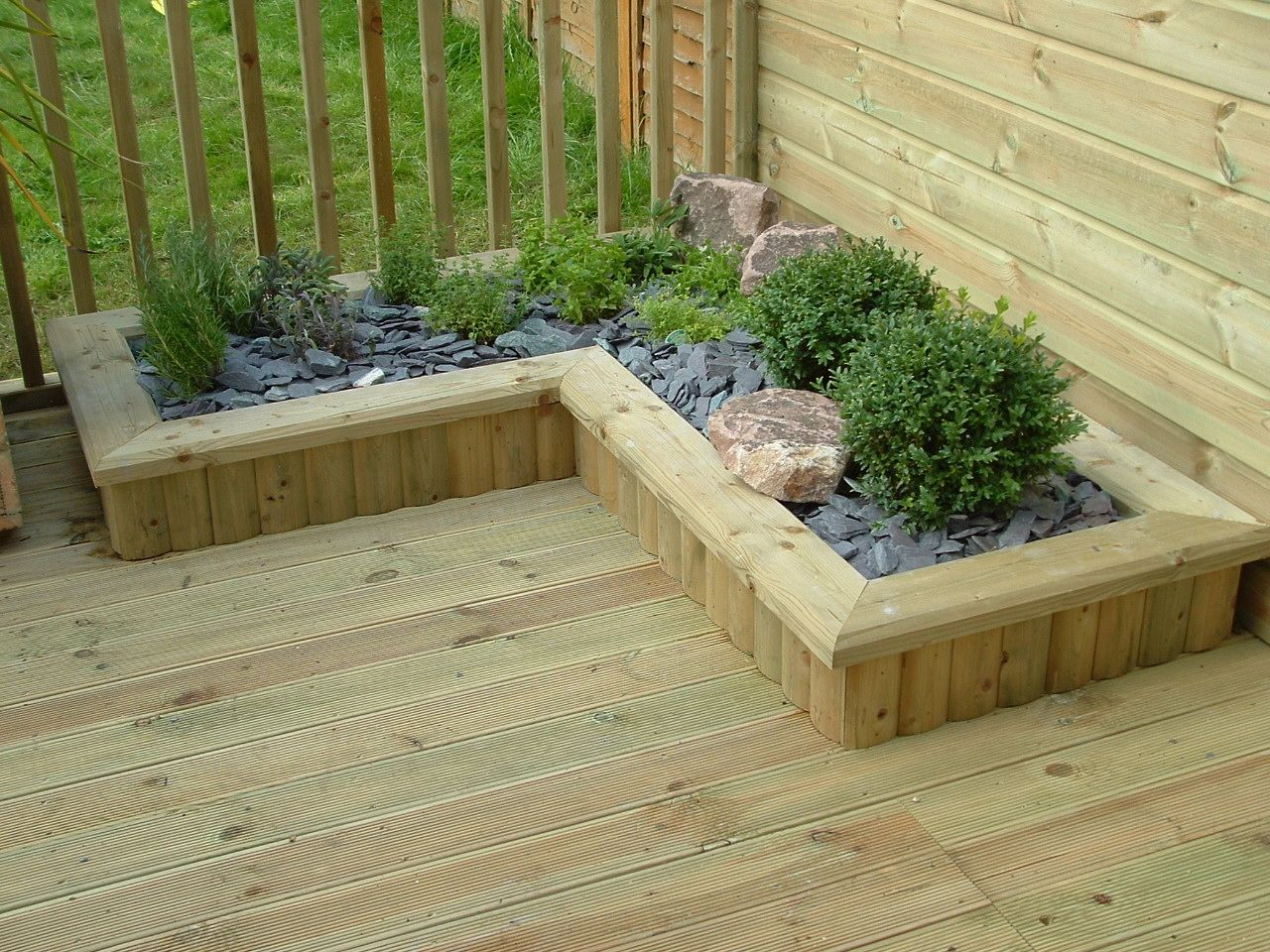 haymac deck with low planter