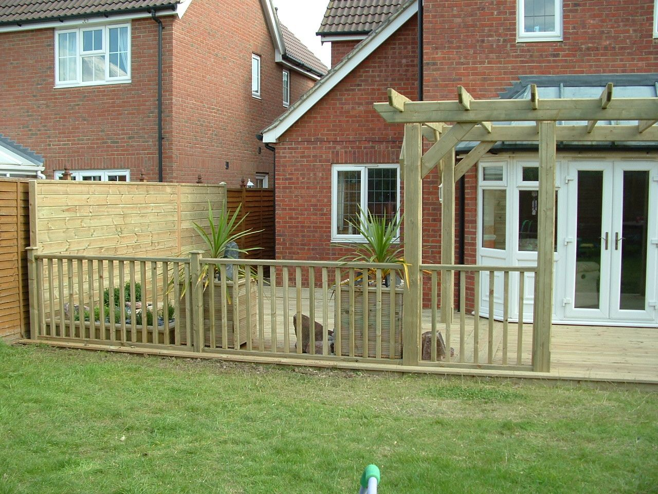 haymac deck with pergola (3).JPG