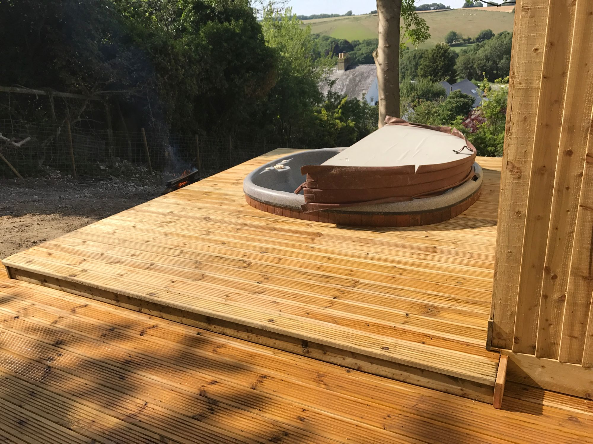 Deck with sunken hot tub