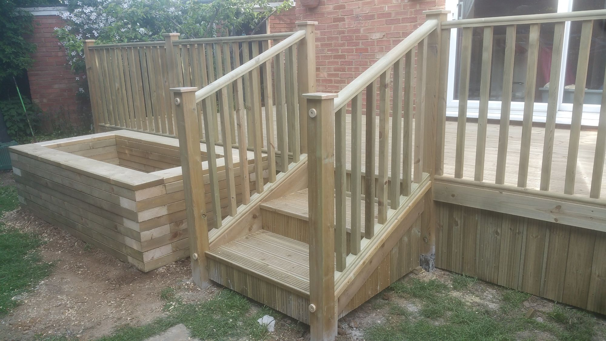Raised deck (8).jpg