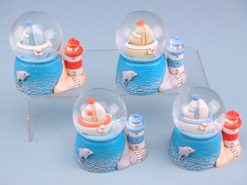 11208 Yacht globe with lighthouse