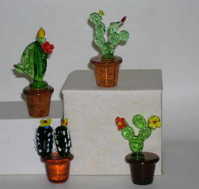 SY146 glass cactus