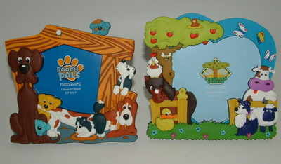 Photo frame -  A/ dogs  B/ farmyard
