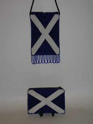 EL643 Saltire beaded purse