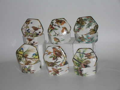 BC0344 Hexagonal trinket box - Highland birds